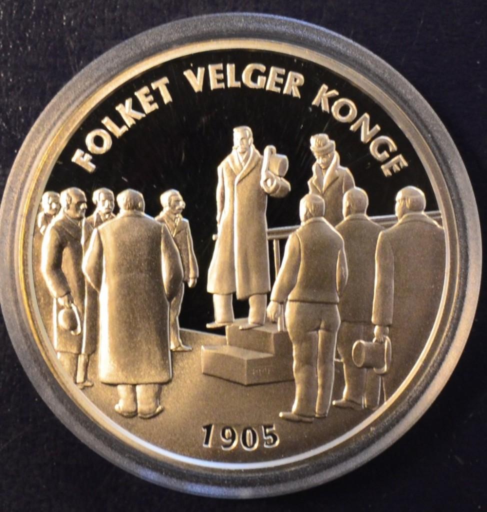 9ee9f519c 1905: Folket velger konge